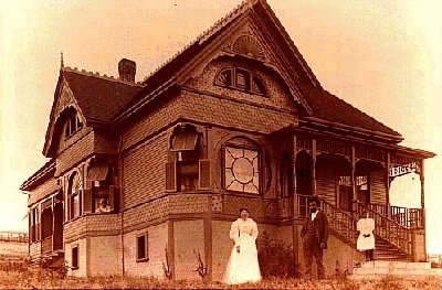 House & Family in 1895